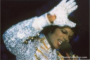 1984 VICTORY TOUR  Th_754450316_gallery_8_1332_11912_122_27lo
