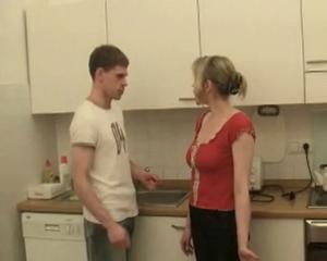 Молодая русская жена видео