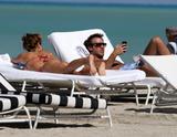 th_45194_Jesica_Cirio_Bikini_Candids_on_the_Beach_in_Miami_October_29_2012_17_122_47lo.jpg