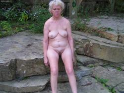 nubie nudes