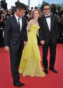 th_90307_Tikipeter_Jessica_Chastain_The_Tree_Of_Life_Cannes_006_123_92lo.jpg